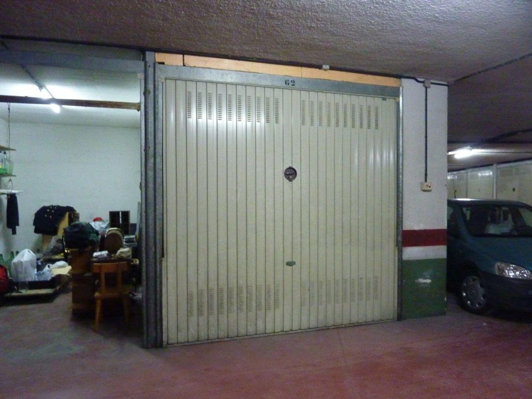 Se Vende Garaje Cerrado Subterraneo En El Barrio San