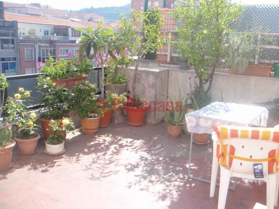 Piso en deusto en venta zona centro terraza de 27 metros for Pisos en bilbao centro