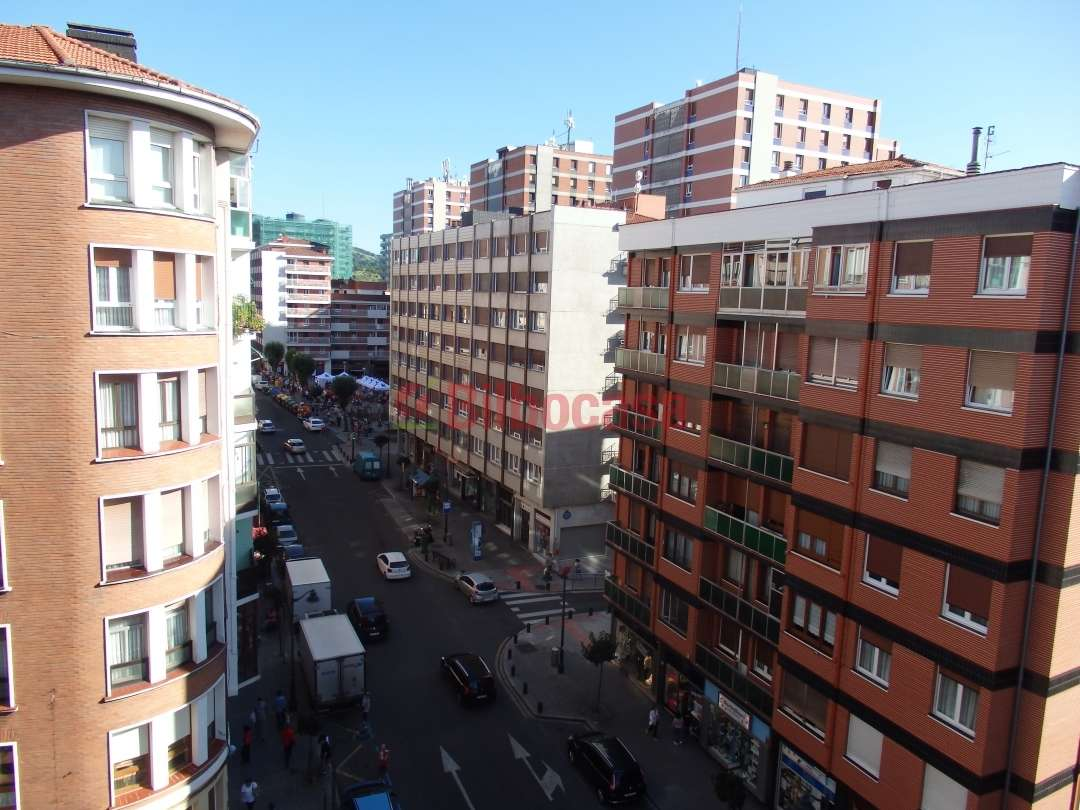 Piso venta bilbao barrio santutxu en pleno centro for Pisos en bilbao centro