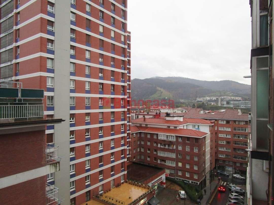 Piso venta bilbao zona santutxu en pleno centro bilbocasa for Pisos en bilbao centro