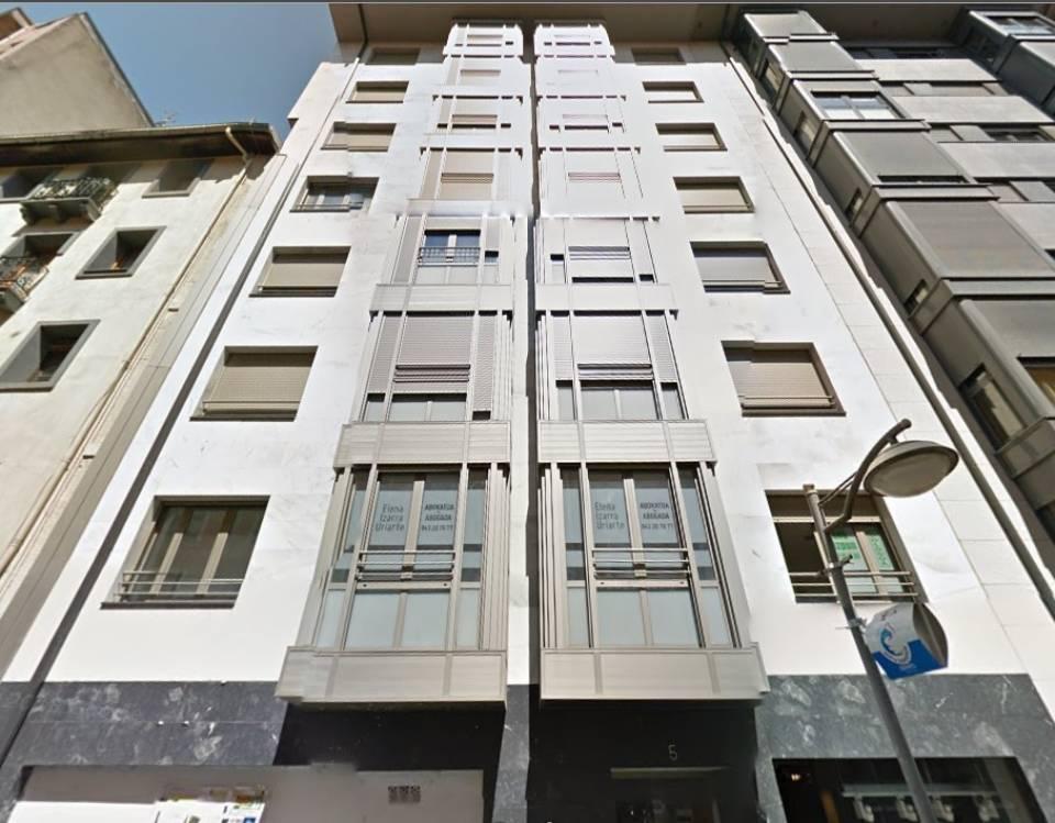 Eibar pisos a la venta en eibar calle toribio echeberria for Busco piso de compra