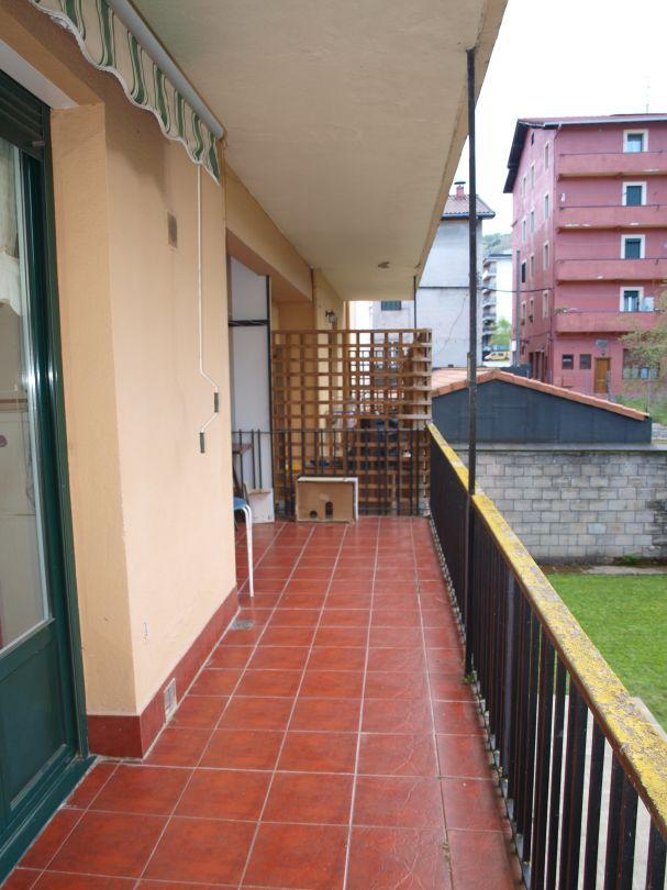 1549 venta piso gipuzkoa legazpi centro for Inmobiliaria korosti