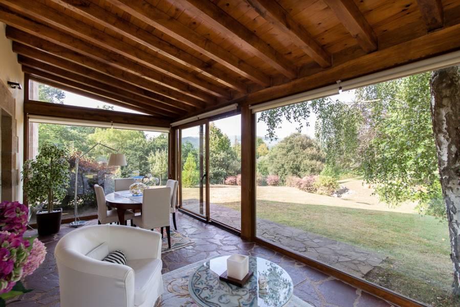 cheap casa rstica amplios espacios y finca a orillas del ro pas with fotos porches rusticos - Porches Rusticos