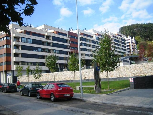 90389 alquiler garaje garaje coche asturias luanco alquiler en el centro de plazas - Plazas de garaje en alquiler ...