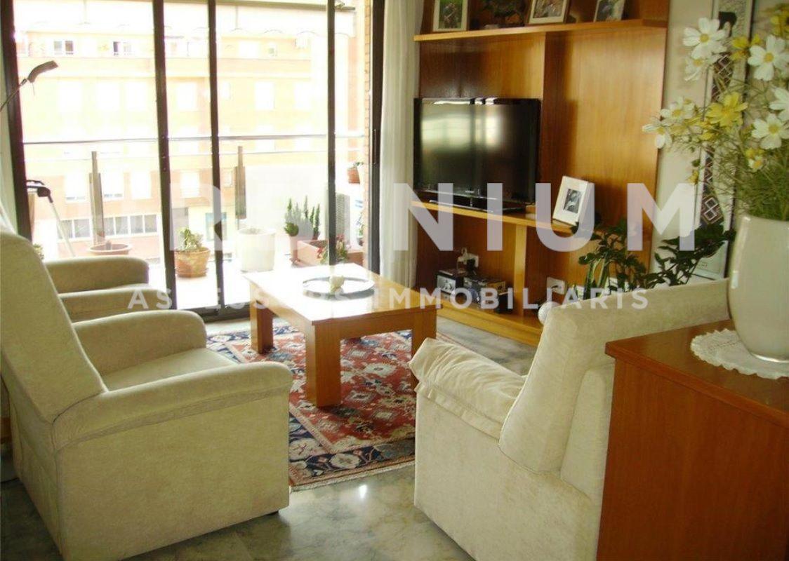 Apartamento en Girona Eixample, Girona (Girona) en Alquiler/Asignación