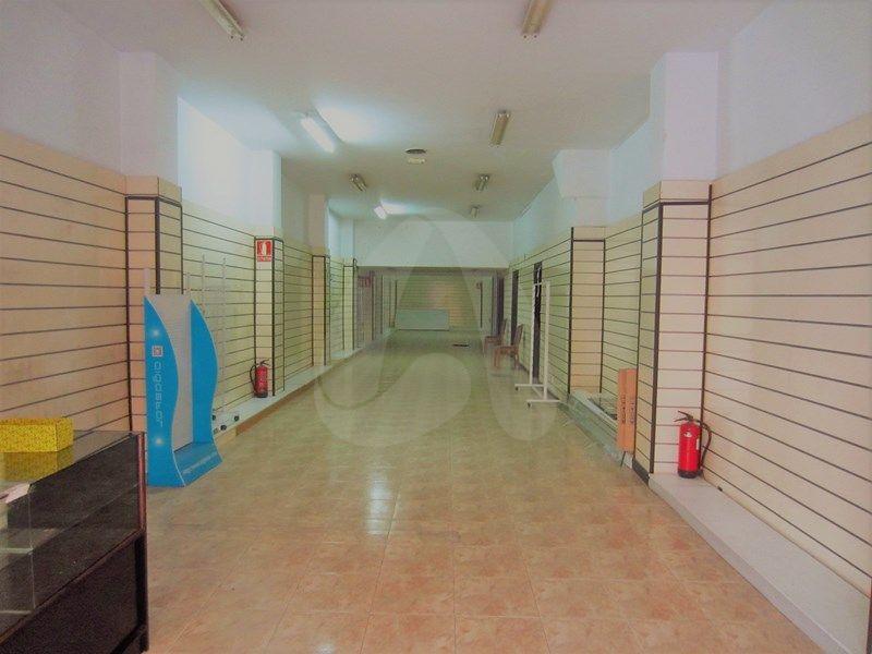 Alquiler de local en Vara de Rey. Logroño