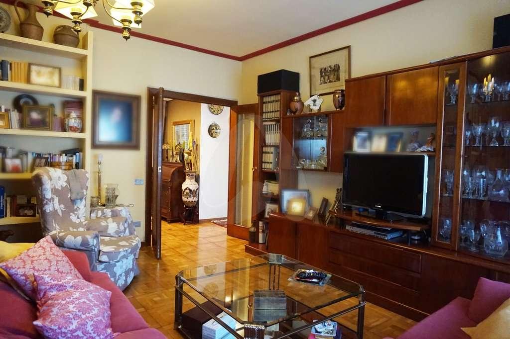 Piso de cuatro habitaciones en Republica Argentina, Logroño