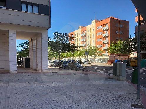 Piso en Valdegastea con garaje y trastero – Logroño – De banco