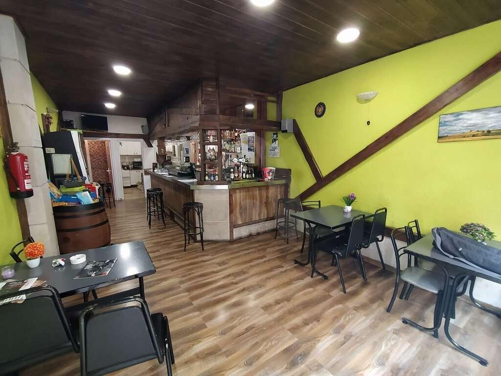 Bar cercano a la zona de la universidad en alquiler o venta