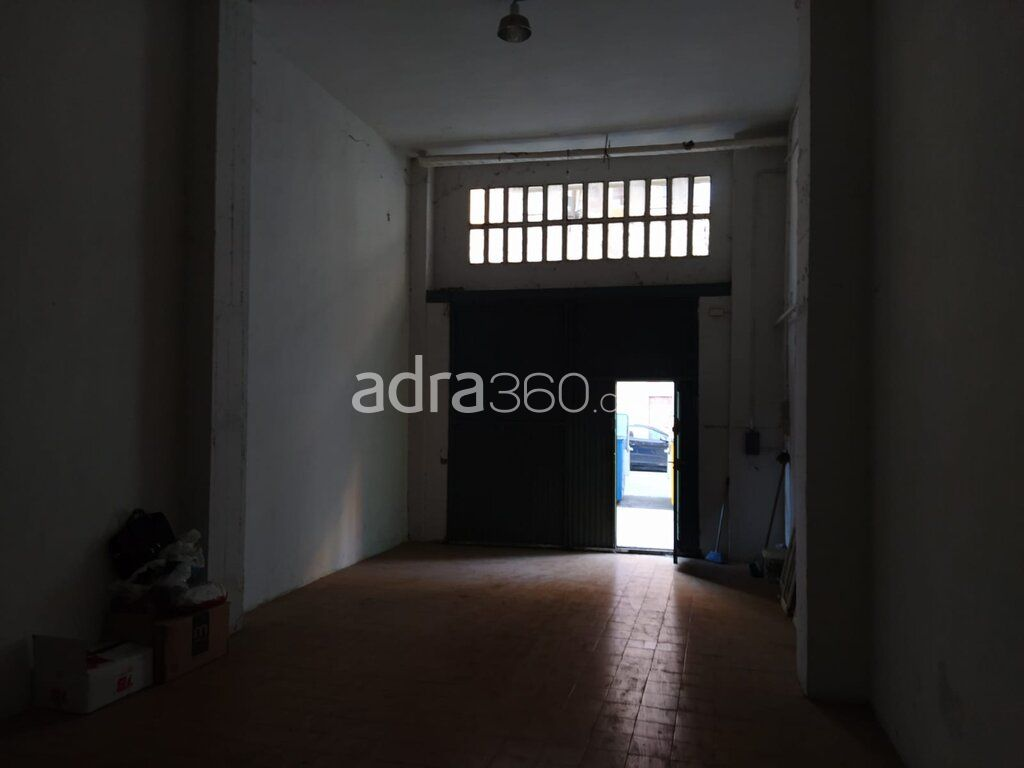 Local en venta para almacén u oficina – Zona Ayuntamiento, Logroño