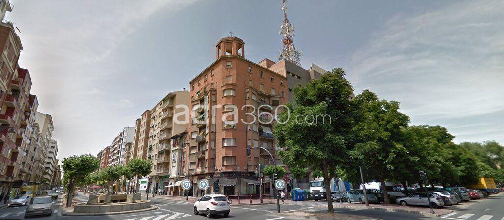 Venta piso Calle San Millán, Zona Universidad