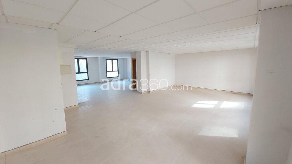 Oficina en alquiler acondicionada en zona Cascajos/Piqueras