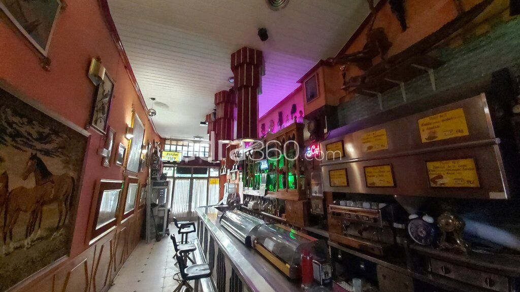 Bar Restaurante en zona peatonal