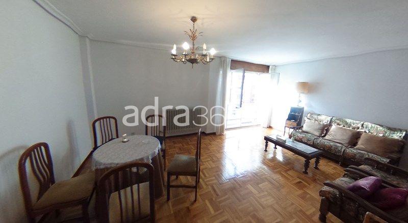 Amplio apartamento en calle Oviedo, Logroño – Impecable