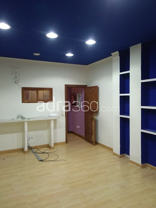 Oficina en venta en planta baja próximo a Vara de Rey, Logroño