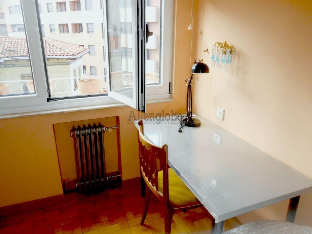 Piso en alquiler con 88 m2, 3 dormitorios  en Centro (Oviedo (Capital)
