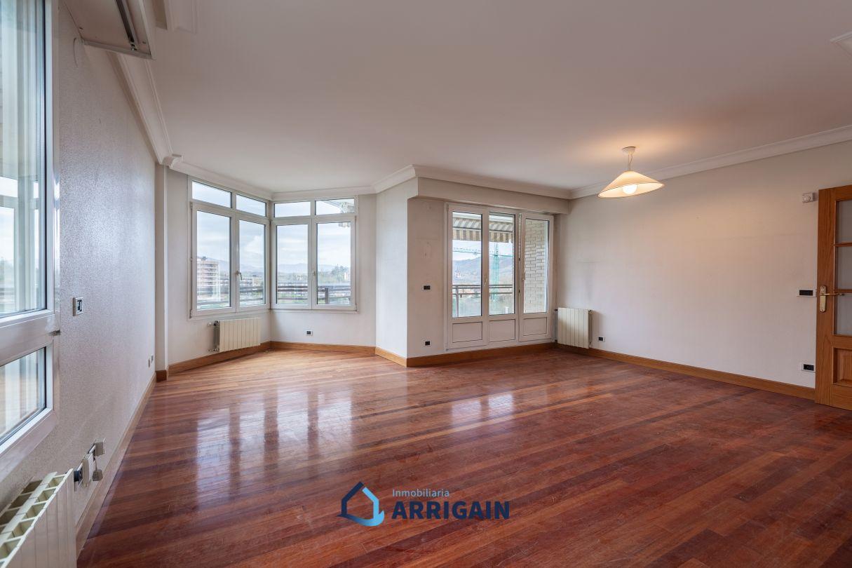 Gran piso en venta en Aiete-Izaburu con garaje doble