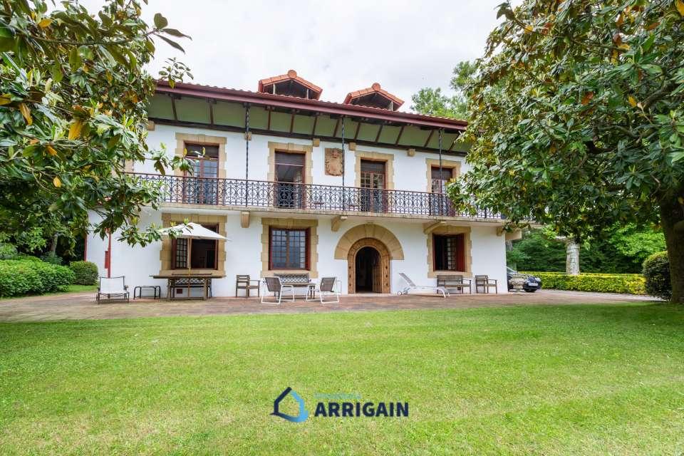 Precioso Palacete en venta en Oiartzun con 20.000m2 de terreno