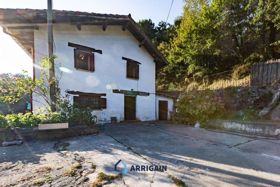Caserio en venta en Goiburu-Urnieta con 26.000m2 de terreno