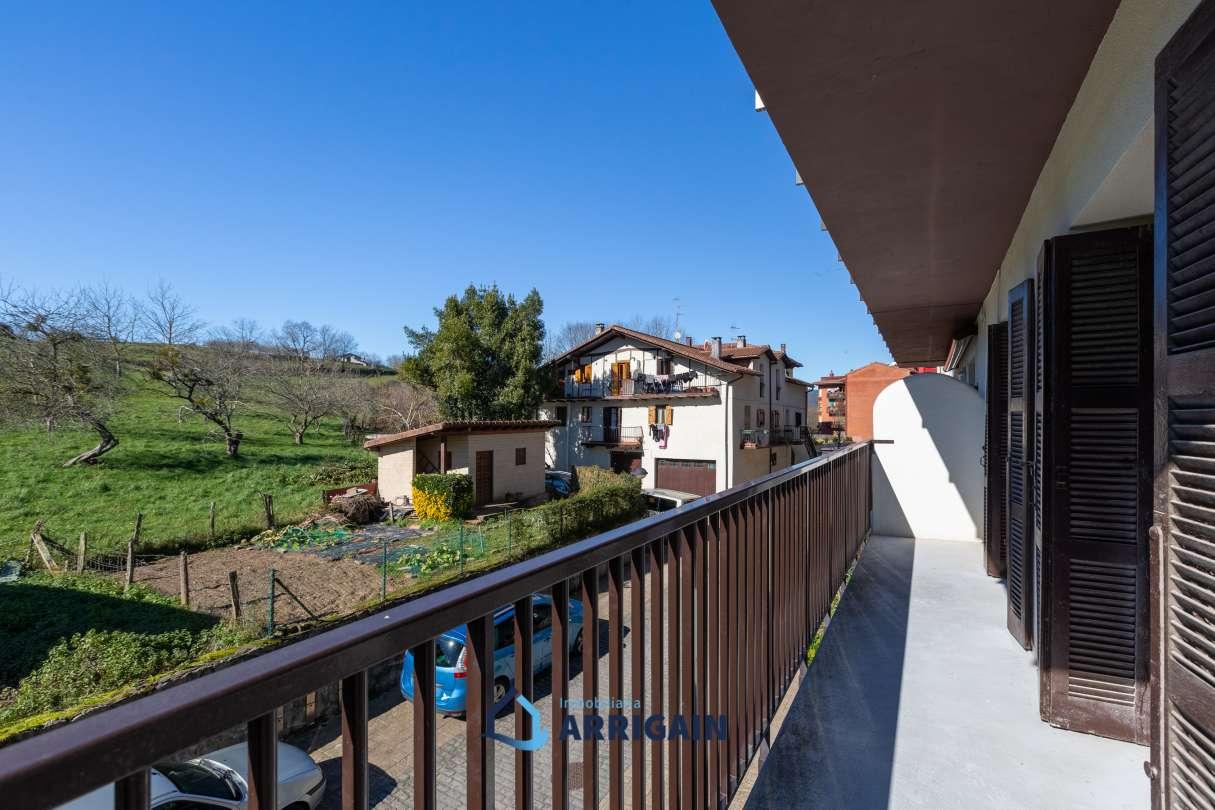Piso en venta en Oiartzun-Iturriotz con preciosas vistas y garaje cerrado y gran ganbara