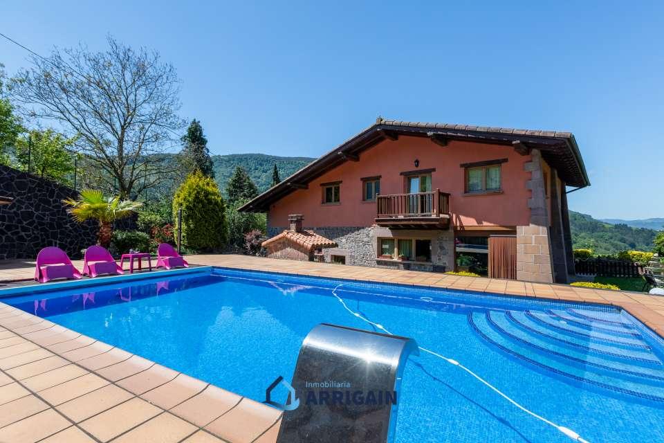 Preciosa casa en venta en con piscina en Elduayen
