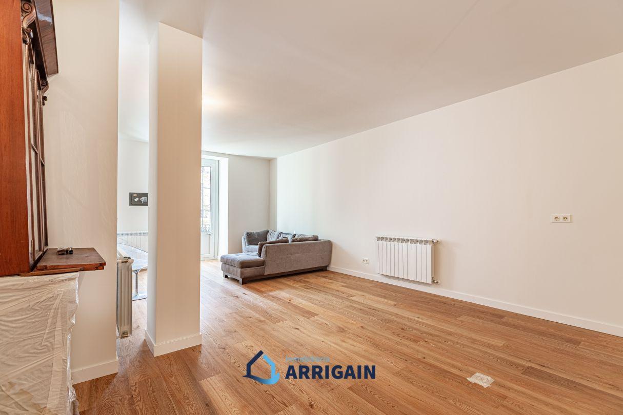 Gran piso en venta en la calle Garibay de San Sebastián