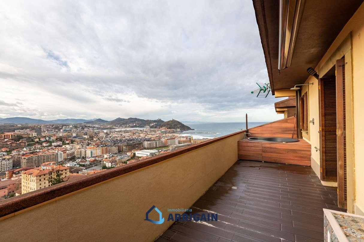 Villa en venta con magníficas vistas