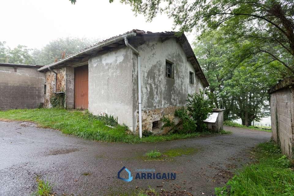Caserío en venta en Goiburu-Urnieta con 100.000m2 de terreno
