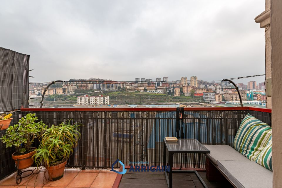 Bonito piso con terraza en venta en Trintxerpe-Pasajes