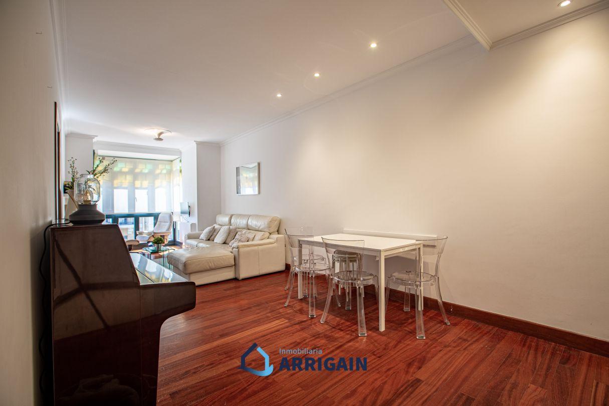 Bonito piso en venta en el Centro de construcción reciente