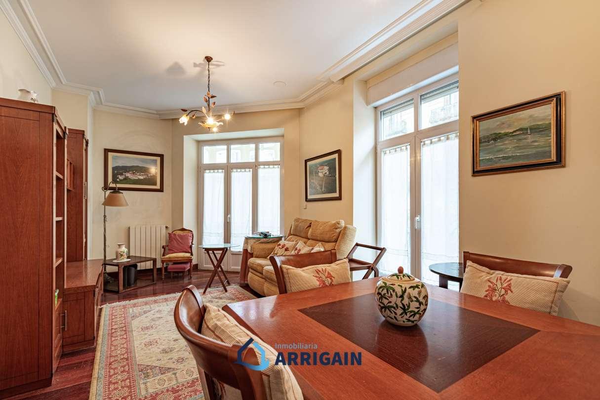 Bonito piso en esquina en venta en el Centro junto al Buen Pastor