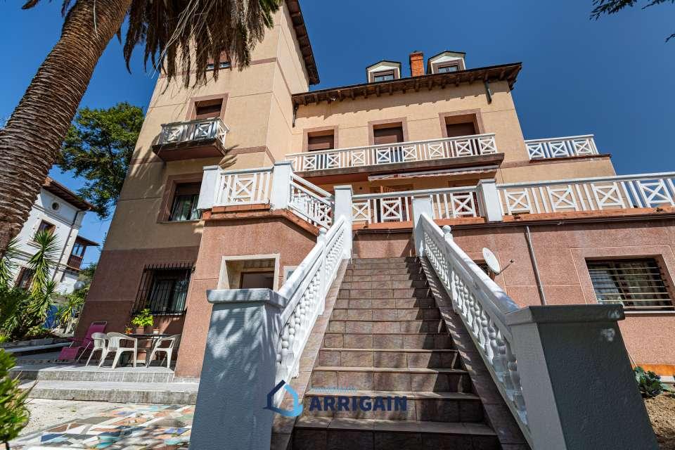 Gran villa individual en venta en Ategorrieta-Intxaurrondo
