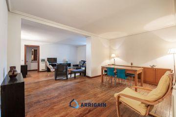 Gran piso en venta al principio de la calle Miracruz